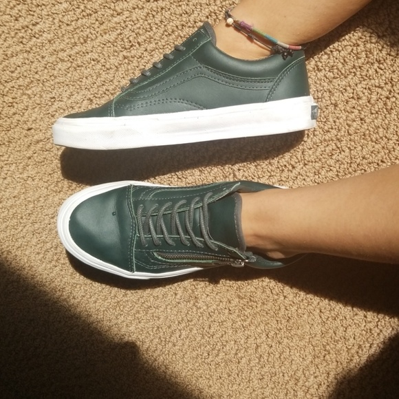 Forest Green zip up leather Old Skool Vans. M 5accfbddf9e501a5cb9c0e4b 637452bc0d